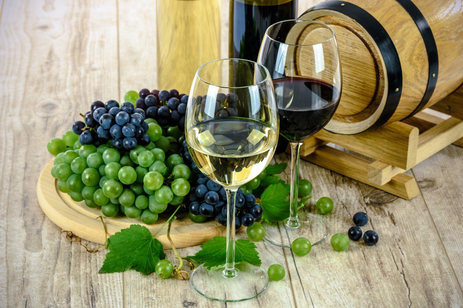 【10月25日】富士屋本店かっちゃんによる「ワインを楽しむ会」を開催!
